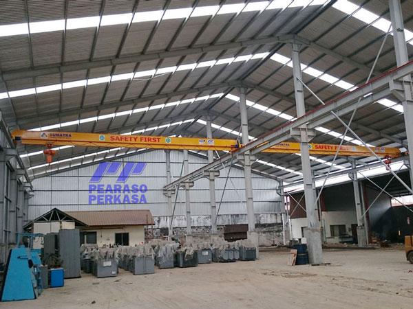 fabrikasi-konstruksi-pabrik-gudang-dengan-galangan-hoist-crane-atau-overhead-crane-1-ton-2-ton-ton-3-ton-5-ton-7.5-ton-10-ton-15-ton