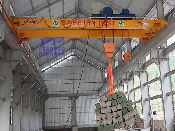 wire-rope-hoist-crane-double-girder-model-Duduk-kapasitas-10-ton-15-ton-20-ton-25-ton-30-ton-40-ton-50-Ton